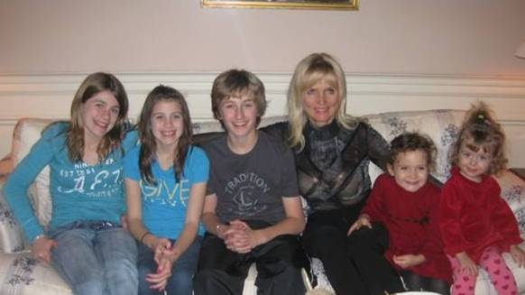 Rosemary Sexton with Grandchildren 2009